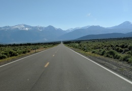 I decide to drive Hwy 167 back to the west side of Mono Lake